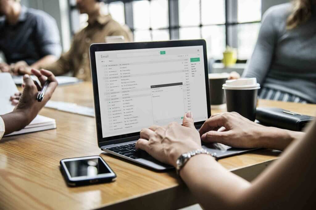 Come aggiungere una password a un file zip su Mac