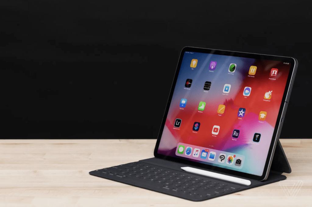 iPad Pro con tripla fotocamera: il debutto a Ottobre